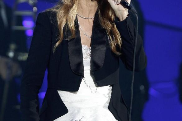 Céline Dion triomphe sur scène pour son retour en France (Vidéo)