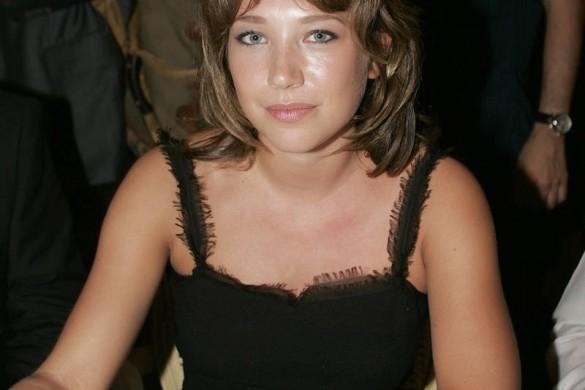 Laura Smet a 33 ans : zoom sur les photos de famille de la fille de Johnny Hallyday