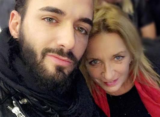 Bar Refaeli en pyjama, Emily Ratajkowski en mère Noël… Le best-of Instagram de la semaine (photos)