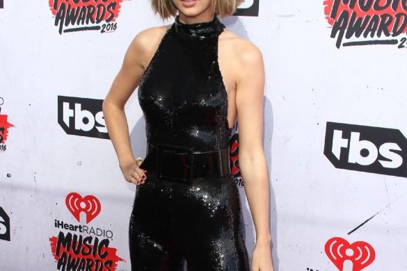 Taylor Swift donne 1 million de dollars aux victimes des inondations en Louisiane.