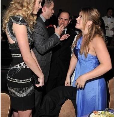 10 photos qui prouvent que Taylor Swift est une (trop) grande artiste !