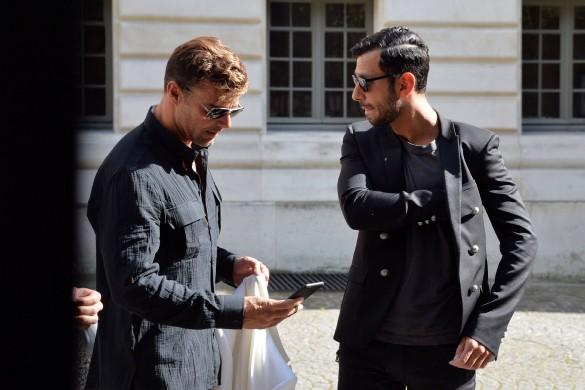 Ricky Martin roucoule avec son chéri dans les rues de Paris (photos)