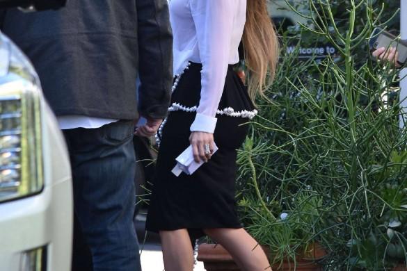 Jennifer Lopez : découvrez ses cheveux extra-longs façon Raiponce ! (photos)