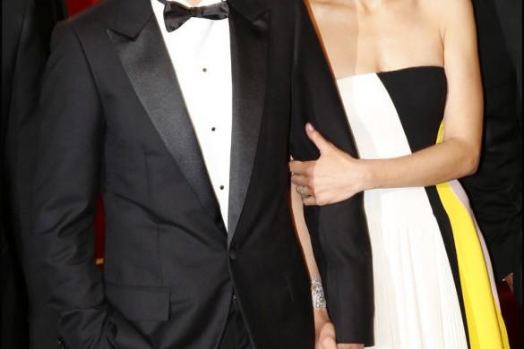 Marion Cotillard en claquettes… la photo WTF