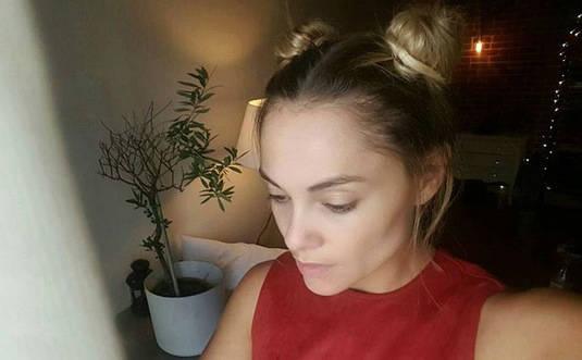 Exit le blond ! Joy Esther dévoile sa nouvelle coiffure (photos)