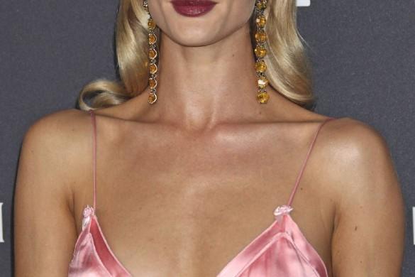 Marion Cotillard, Jennifer Lopez : les stars craquent pour la bouche prune (photos)