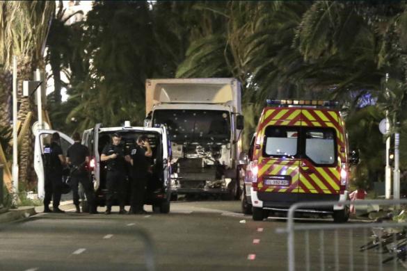 «Ma mère pratiquait l'islam du juste milieu» : le fils d'une victime défend les musulmans après l'attentat de Nice
