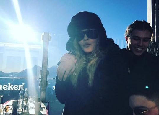 Madonna tout schuss pour des vacances d'hiver en famille ! (photos)